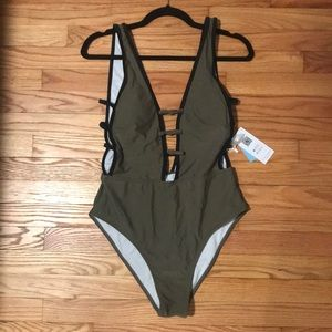 NWT Cupshe one piece with deep v in front and back